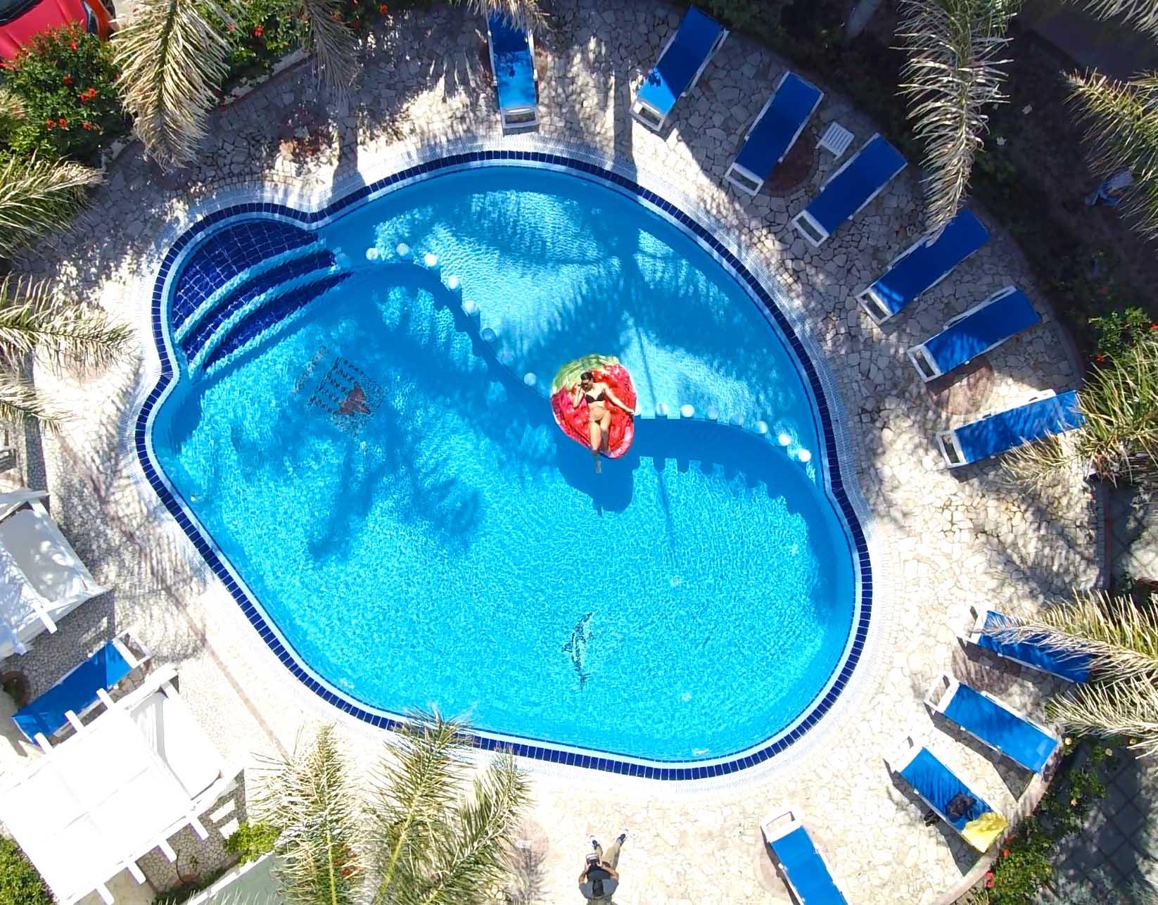 pool-1-low